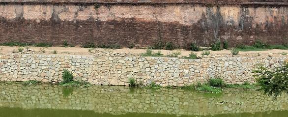 Khắc phục sai sót và xử lý trách nhiệm vụ phá cũ xây mới bờ hào kinh thành Huế - Ảnh 3.