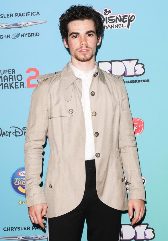 Sao Disney Channel, Cameron Boyce đột ngột qua đời ở tuổi 20 - Ảnh 3.