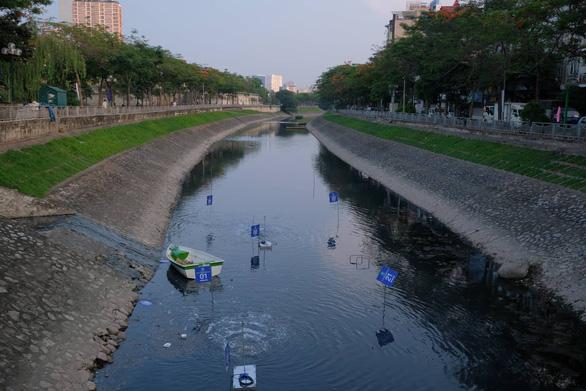 Đại biểu HĐND Hà Nội đề xuất cống hóa sông Tô Lịch - Ảnh 1.