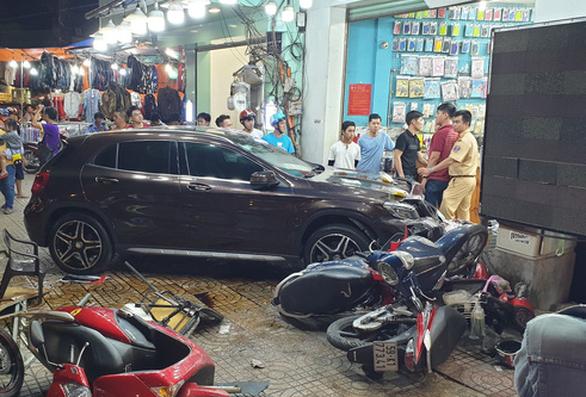 Vụ nữ tài xế gây tai nạn ở Q.5: 4 nạn nhân bị thương nặng - Ảnh 1.