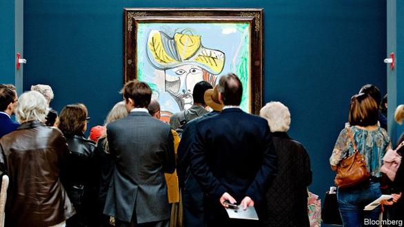 Nghệ thuật cũng không thoát cảnh 'vay nợ - Ảnh 1.