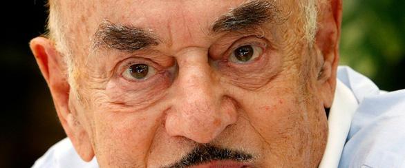 Nhà sản xuất phim Artur Brauner - người sống sót sau nạn diệt chủng - qua đời - Ảnh 1.