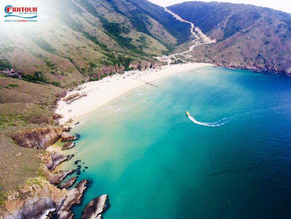 Những thiên đường biển đảo dành cho du lịch hè - Ảnh 1.