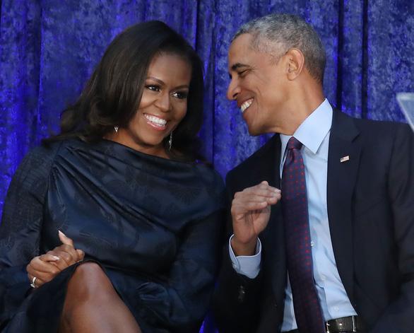 Bà Obama khuyên người trẻ học cách sống cân bằng - Ảnh 2.