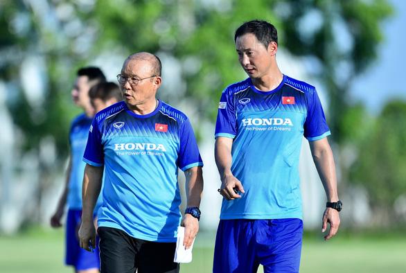 U23 Việt Nam hứng khởi trong ngày đầu tập luyện tại PVF - Ảnh 1.