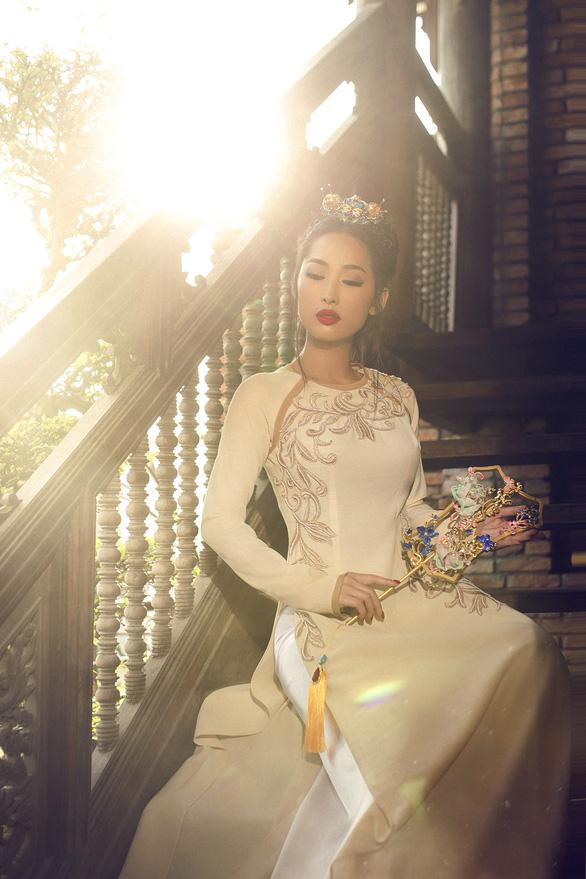Võ Việt Chung mang Xuân thì đến Gala Aodai Canada 2019 - Ảnh 2.