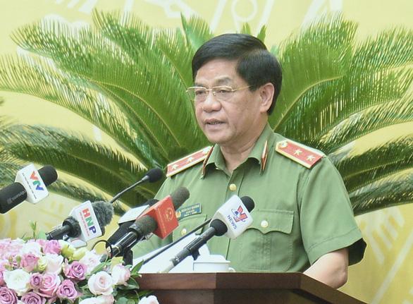 Giám đốc Công an TP Hà Nội: Chưa có giải pháp đột biến chặn xe dù, bến cóc - Ảnh 1.