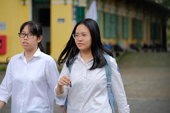 Hà Nội quyết định tăng học phí mầm non, phổ thông - Ảnh 1.