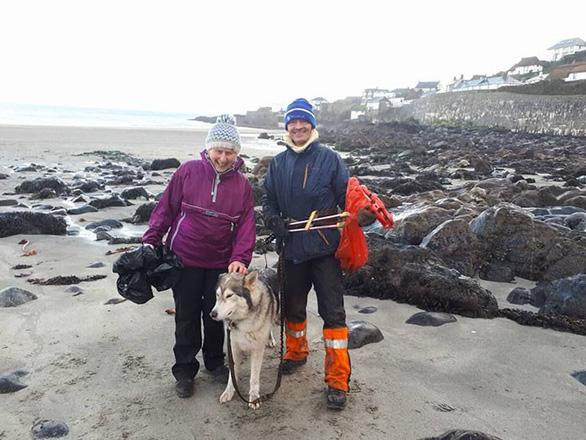 Nữ chiến binh rác 70 tuổi dọn rác 52 bãi biển - Ảnh 5.