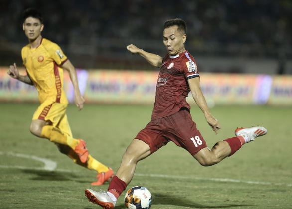 Sân Thống Nhất tổ chức điền kinh, CLB TP.HCM phải đi Bà Rịa - Vũng Tàu đấu V-League - Ảnh 2.