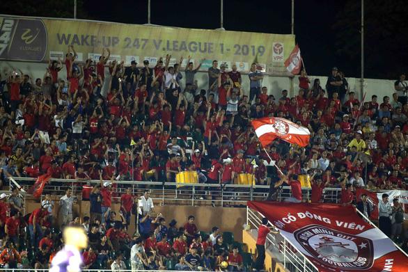Sân Thống Nhất tổ chức điền kinh, CLB TP.HCM phải đi Bà Rịa - Vũng Tàu đấu V-League - Ảnh 1.