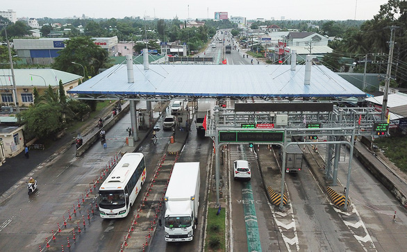 Tổng cục Đường bộ ra tối hậu thư sẽ tạm dừng thu phí từ 18h ngày 10-7 với 4 dự án BOT - Ảnh 3.