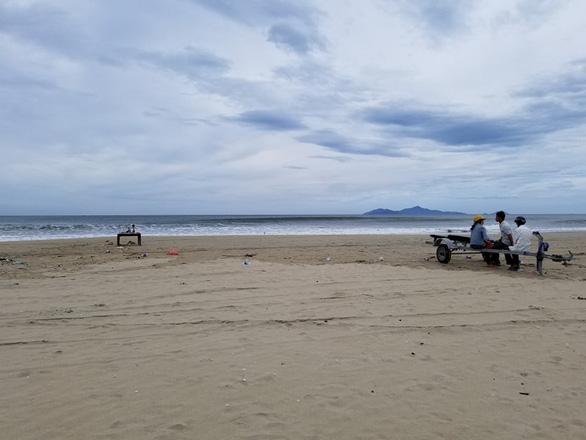 Thi thể học sinh tắm biển ở Đà Nẵng được phát hiện cách hiện trường 2km - Ảnh 2.