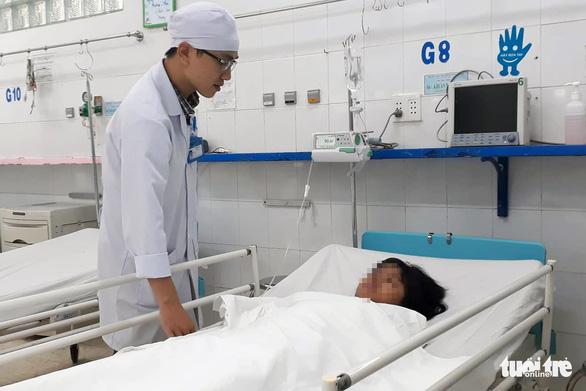 Cắt bỏ khối u nang buồng trứng hơn 3,5kg cho bé gái 14 tuổi - Ảnh 1.