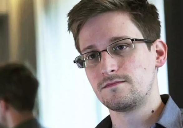 Snowden ra hồi ký, lột trần lần nữa ngành tình báo Mỹ? - Ảnh 1.