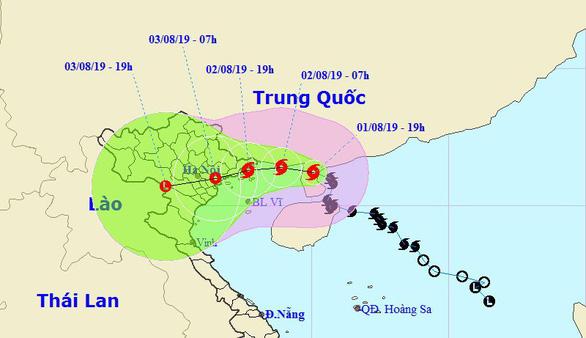 Bão số 3 cách Quảng Ninh - Hải Phòng 300km, Bắc Bộ mưa lớn - Ảnh 1.