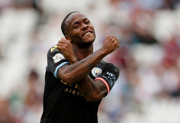 Sterling lập hat-trick, M.C đại thắng West Ham trận ra quân - Ảnh 3.
