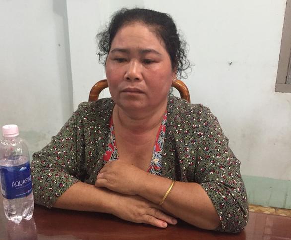 Người phụ nữ bị bắt sau 28 năm lẩn trốn vì giết cha ruột - Ảnh 1.