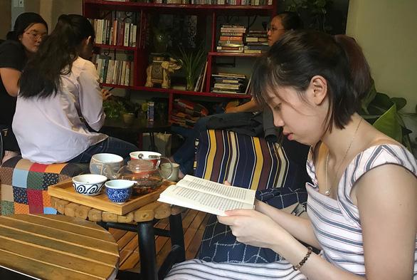 Giữa Sài Gòn vội vã, phải lòng những tách trà thơm - Ảnh 1.