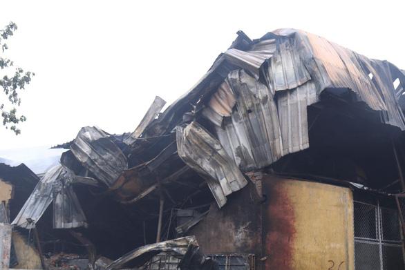Cháy lớn tại Khu công nghiệp Sài Đồng gần Aeon Mall Long Biên - Ảnh 6.