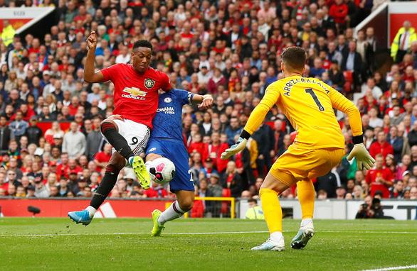 MU 'đè bẹp' Chelsea ở ngày ra quân Premier League - Ảnh 3.