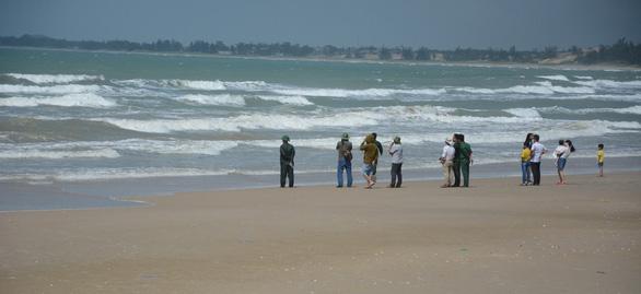 Tìm thấy hai thi thể du khách còn lại trong vụ chết đuối ở Bình Thuận - Ảnh 1.