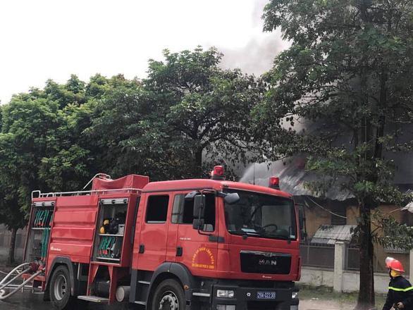 Cháy lớn tại Khu công nghiệp Sài Đồng gần Aeon Mall Long Biên - Ảnh 8.