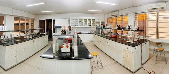 Nhiều phương thức xét tuyển để học ngành dược sĩ đại học tại ĐH Duy Tân - Ảnh 2.
