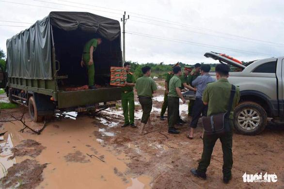 Vùng rốn lũ khắc phục hậu quả mưa bão - Ảnh 9.