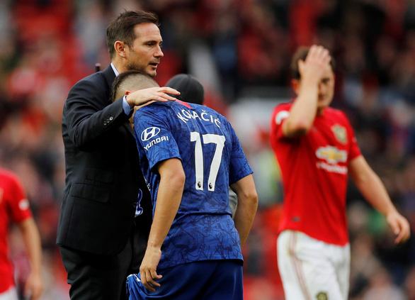 'Thất bại trước M.U là bài học nhớ đời với các cầu thủ' - Ảnh 1.