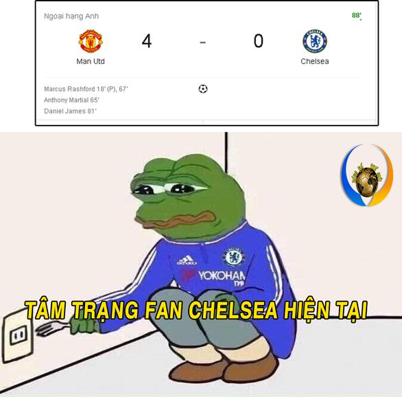 CĐV MU nổ vang trời sau chiến thắng trước Chelsea - Ảnh 9.