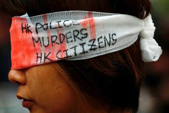 Hãng bay Hong Kong phải đuổi việc nhân viên tham gia biểu tình - Ảnh 3.