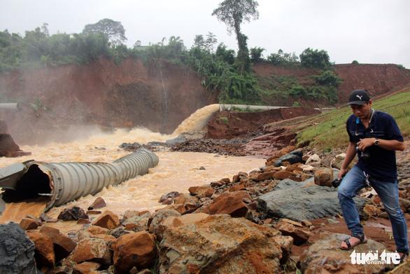 Trước 10-9 phải báo cáo nguyên nhân kẹt van thủy điện Đắk Kar - Ảnh 2.