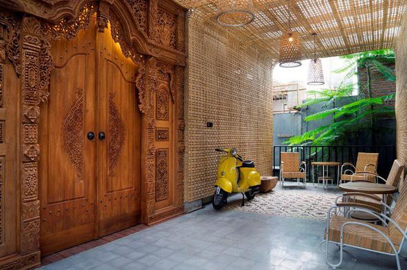 Ngôi nhà gạch xếp truyền thống mà phá cách ở Indonesia - Ảnh 3.