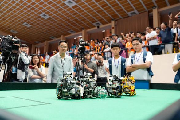 Học sinh phổ thông mang giải pháp 'Thành phố thông minh' đi thi quốc tế - Ảnh 3.