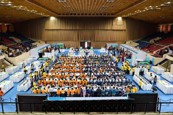 Học sinh phổ thông mang giải pháp 'Thành phố thông minh' đi thi quốc tế - Ảnh 1.