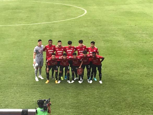 Để thủng lưới 2 bàn, Văn Lâm vẫn được chấm điểm cao nhất ở Muangthong United - Ảnh 1.