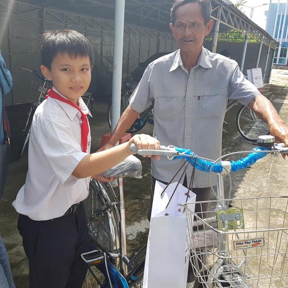 280 suất học bổng Gieo mầm tri thức cho học sinh nghèo Vĩnh Long - Ảnh 6.