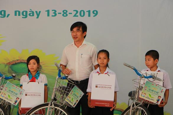 280 suất học bổng Gieo mầm tri thức cho học sinh nghèo Vĩnh Long - Ảnh 3.