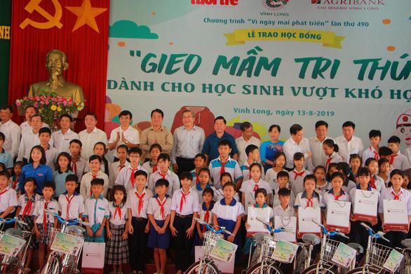 280 suất học bổng Gieo mầm tri thức cho học sinh nghèo Vĩnh Long - Ảnh 8.