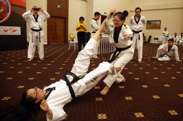 Hào hứng học tự vệ thực chiến cùng chuyên gia hàng đầu thế giới - Ảnh 2.