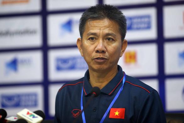 HLV Hoàng Anh Tuấn: U18 VN vẫn còn cơ hội đi tiếp dù hòa Thái Lan - Ảnh 1.
