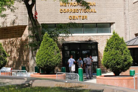 Bộ trưởng tư pháp Mỹ: Tỉ phú Epstein chết rất bất thường - Ảnh 2.