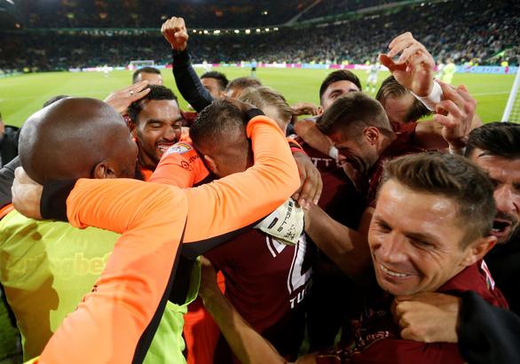 Sốc: Celtic và Porto bị loại khỏi Champions League ngay trên sân nhà - Ảnh 2.