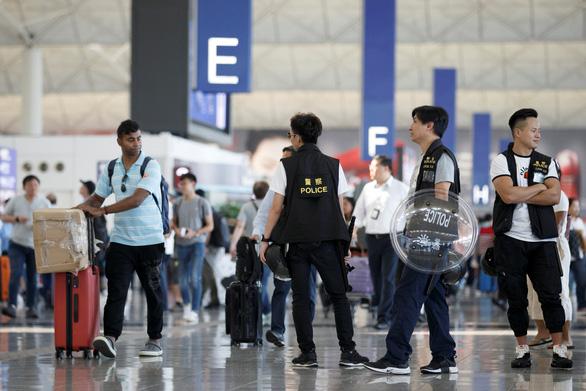 Thái Lan chuẩn bị máy bay di tản dân khỏi Hong Kong - Ảnh 1.
