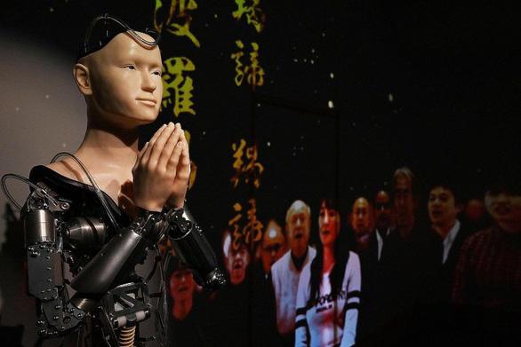 Chùa 400 năm tuổi cho robot thay nhà sư để giảng kinh Phật - Ảnh 1.