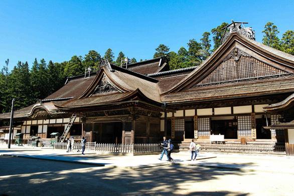 Bạn có chịu trả 1.400 USD để được ngủ lại một ngôi chùa Nhật Bản? - Ảnh 2.