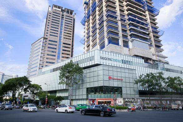 Giá thuê văn phòng TP.HCM cao hơn Hà Nội 60% - Ảnh 1.