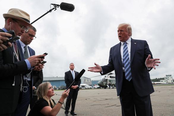 Rời Nhà Trắng đi nghỉ hè 1 tuần, ông Trump vẫn vận động tái tranh cử - Ảnh 1.