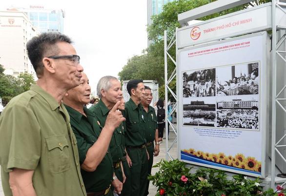 Nhìn lại công cuộc đổi mới TP.HCM tại triển lãm thực hiện Di chúc Bác Hồ - Ảnh 9.